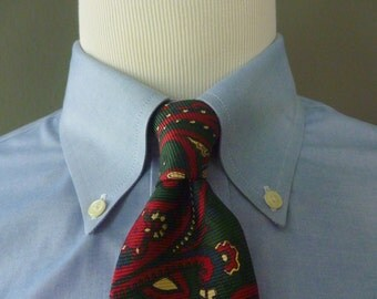 Vintage POLO by Ralph Lauren 100% Silk Flowing Cream & Red Paisleys on a Green  Background Trad / Ivy League Neck Tie.  Made by Hand in USA.