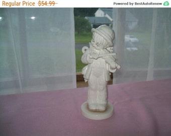 MJ Hummel Goebel Expressions of Youth figurine Littler Fiddler 7 1/2 inch