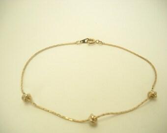 Vintage Gold Tone Knotted Bracelet (6432)