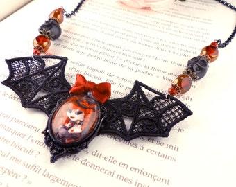 Handcrafted Ventruesa necklace // Victorian vampire - Dracula