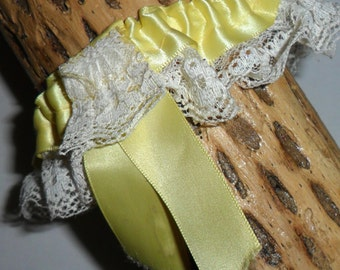 Vintage Yellow Satin Ribbon and White Ruffled Lace Elasticated Garter with Yellow Ribbon Bow Bridal Wedding Gorgeous!