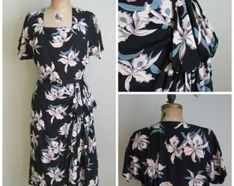 1940's Rayon Print Dress// Hip Swag