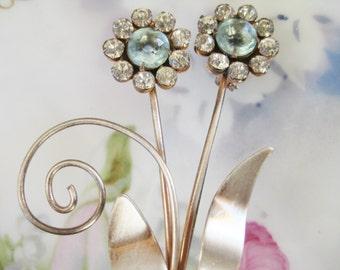 Vintage Rhinestone Blue daisy Pewter Brooch  Rhinestones Wedding bridal  Bouquet Rhinestone Very good No missing stones