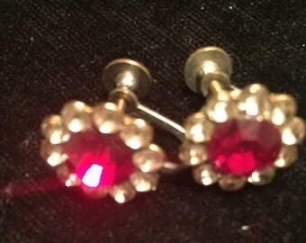 2 Pair Vintage Screwback Earings