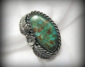 Vintage SOUTHWESTERN Turquoise Ring with Squash Blossom Flower -- Size 8, 9.9 Grams, Gorgeous Color, Excellent Condition