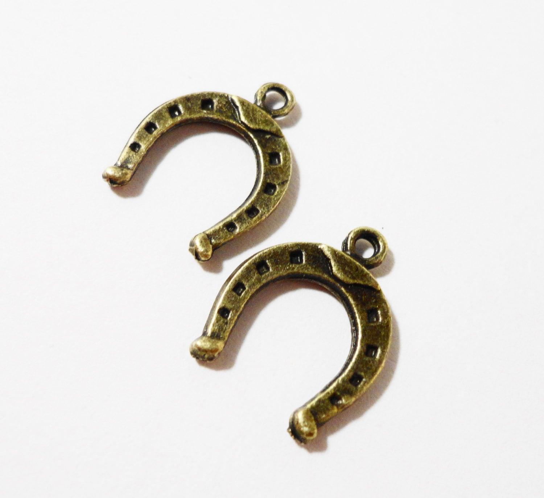 Bronze horseshoe charms 15x12mm antique brass horseshoe pendants bronze horseshoe charms 15x12mm antique brass horseshoe pendants western charms cowgirl cowboy charms horse shoe charm metal charms 10pcs aloadofball Choice Image