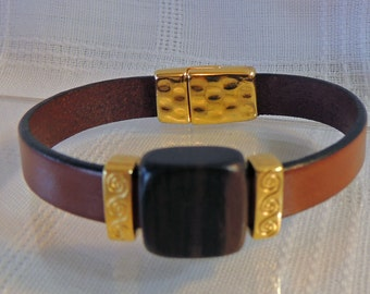 Flat Leather Bracelet with wooden feature bead