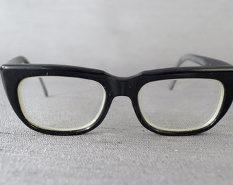 Wow - Awesome Vintage Unisex Eyeglasses - See our huge collection of vintage eyewear