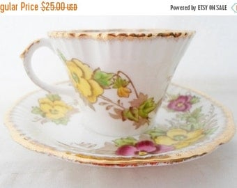ON SALE Vintage, Teacup, Salisbury, Bone China, England, Tea Cup and Saucer, Pansy, Flowers, Pink, Red, Yellow, Gold, Collectibles