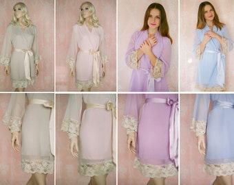 La vie en rose. 4 CUSTOM lace trimmed chiffon robes in a knee length. Lined at the skirt and bodice. Bridesmaids robes and wedding robes.