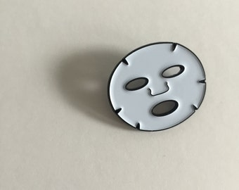Facial mask (don't be scared ) Enamel Pin - WHITE