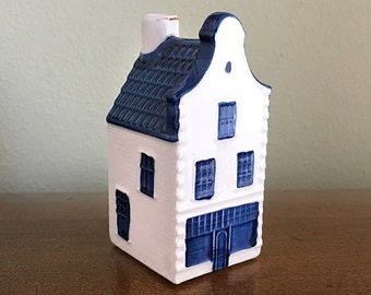 Delft Blue KLM house #36, Bols Distillery, Holland Royal Distilleries, Airline Collectible