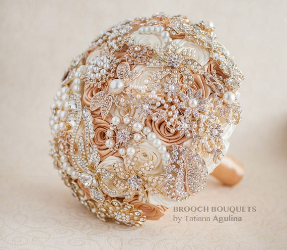 Ivory and Gold brooch bouquet