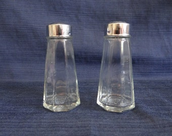 Gemco Clear Glass Salt and Pepper Shaker with Stainless Steel Caps - Diner Style Salt and Pepper