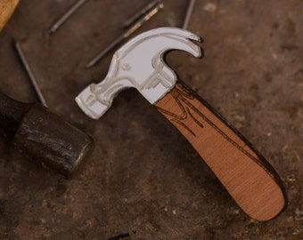 Hammer brooch, tools pin badge perfect for father's day, carpenters, lumberjacks, builders