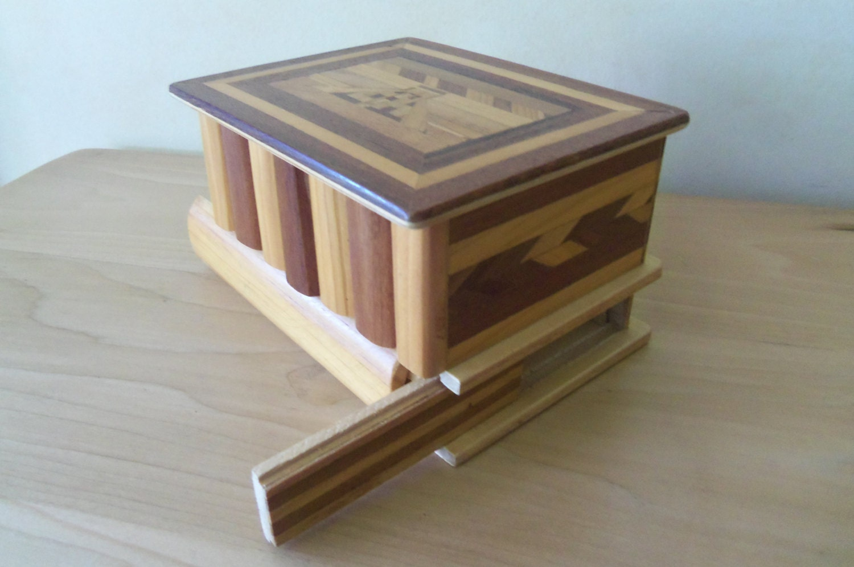 Caja de rompecabezas de madera vintage de m xico con - Caja rompecabezas ...