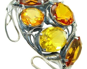 Amber Sterling Silver Bracelet - weight 39.00g - dim L -1 3 4, W -2 1 2, t - 5 8 inch - code 4-lis-15-110