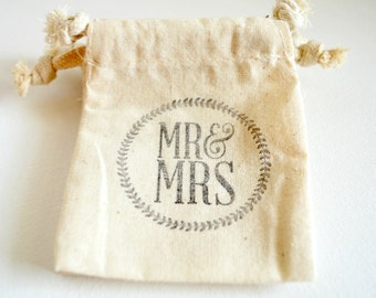 Muslin Favor Bags - Hand Stamped Personalized Bags - Rustic Weddings -  Mr & Mrs Treat Bags - Toss Bags - Wedding Party Favor Gift Bags