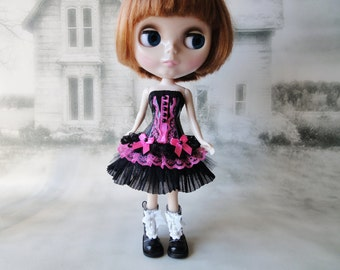 Gothic burlesque black and pink short corset dress hand made fits Blythe doll