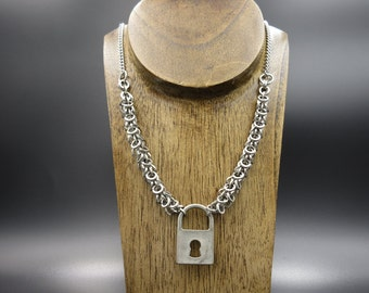 Chainmaille Shaggy Loops Necklace
