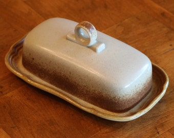 "Mikasa Stoneware ""Whole Wheat"" Pattern E8000 Quarter Pound Butter Dish With Lid, Covered Butter Dish"