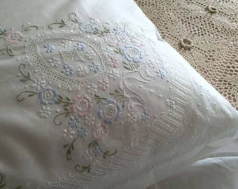 Fine Arts: Shabby Chic Vintage Hand Embroidery Cotton White Floral Pillow Shams, Pillow Cases, BC018