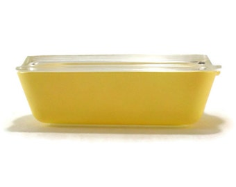 Pyrex Town and Country #503 Refrigerator Space Saver Covered Dish * Soft Yellow