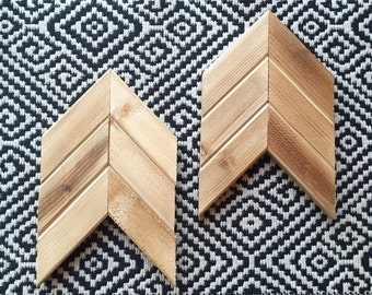 Reclaimed Wood Chevron Arrow • 10x6 inch