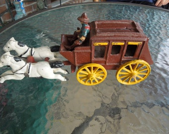 Vintage Cast Iron Stagecoach and Horses. Nice Condition