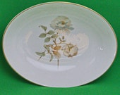 "DMu2170 - Vintage (1978-1998) Royal Doulton (England) Yorkshire Rose 10"" Oval Bowl"