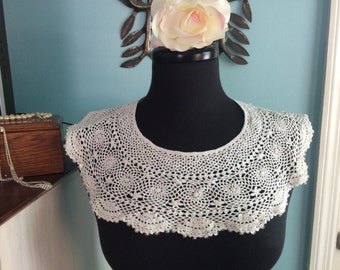 Vintage crochet and sequin collar