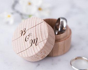 Calligraphie personnalisée bague boîte - anneau en bois boîte - anneau de mariage porte - alliances - anneau porteur - proposition bague boite - cadeau de mariage