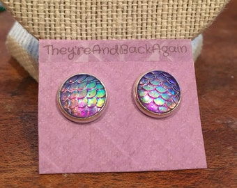 10mm Silver Metallic Light Purple Mermaid Skin Stud Earrings