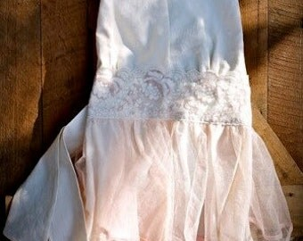 Vintage-inspired tulle and muslin apron