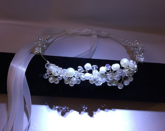 Bridal wedding halo circlet with glass pearls and crystals