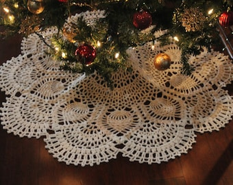Sale~20% off~Crochet Christmas Tree Skirt~After Christmas Sale~Off White~White~Red~Green~Blanket, Throw or Baby Blanket, Hooked Design~Doily