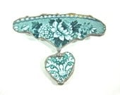 Vintage Green And White Broken China Floral Heart Brooch/Pin