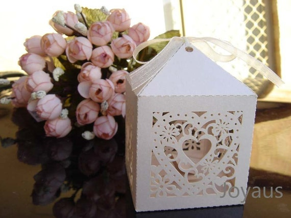 10x Ivory Love-heart Bomboniere Favour Boxes - Wedding & Party Gift Box - Chocolate Candy Cookie Box