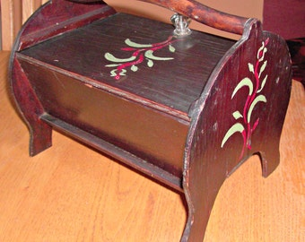 Vintage Footed Sewing Box
