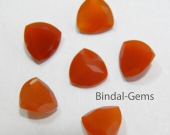 Amazing 10 Pieces Wholesale Lot Red Onyx Trillion Shape Faceted Cut Gemstone For Jewelry