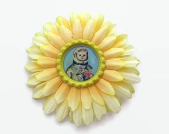 kitsch astronaught cat flower - pinup hair clip - rockabilly hair accessory - quirky pin