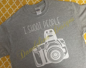 Photographer T-shirt I Shoot People T Shirt Photographer Cameraman Photography Camera DSLR Funny Gift