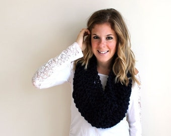 Pre-Fall SALE Knitted Scarf Cowl Chunky Navy- Anacostia Cowl