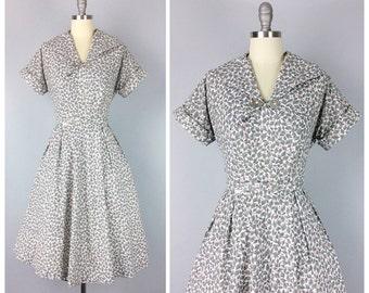 40s Grey Leaf Print Dress / 1940s Vintage Cotton Day Sun Dress / Large / Size 12