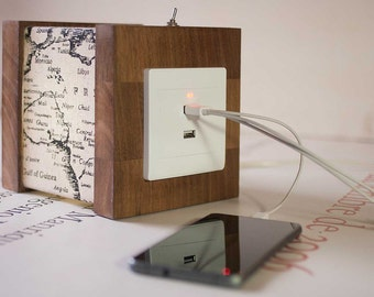Wooden lamp map with USB -  USB to charge your phone or tablet - Table lamp with Usb - Lamp map