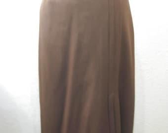 VIntage 1940s-70s Wool Gabardine Pleated Chocolate Brown Skirt (Size 8)