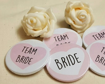 38mm (1.5inch) Size - Quirky Heart Hen Do Badges / Hen Party Badges / Wedding / Team Bride Badge (A Set) - PINK