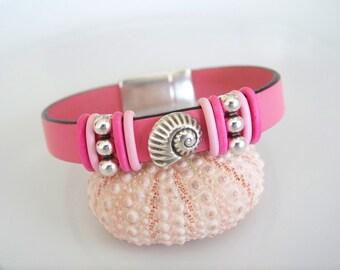 Nautilus Shell Focal Leather Bracelet - Item R6005
