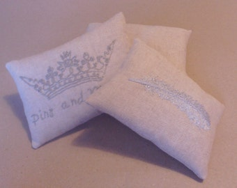 Pin cushion, embroidered pin cushion, pincushion, Feather, metalic embroidery