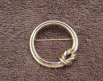 Vintage Jewelry Gold Tone Circular Knotted, Knot, Brooch or Pin, by Monet